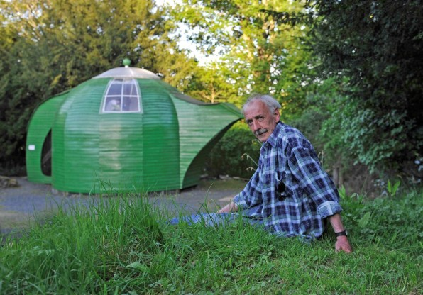 12 Photos Of Britons And Their Whimsical Sheds