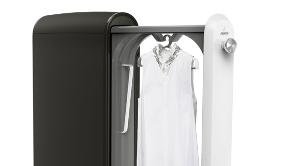 The Swash Machine Freshens Your Dirty Clothes In Just 10 Minutes