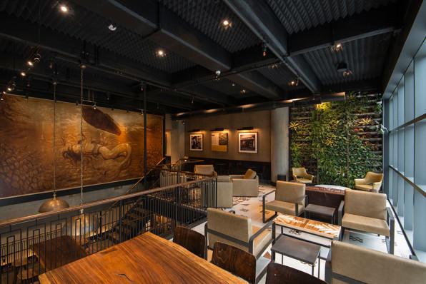 Can Starbucks Make 23,000 Coffee Shops Feel Unique?