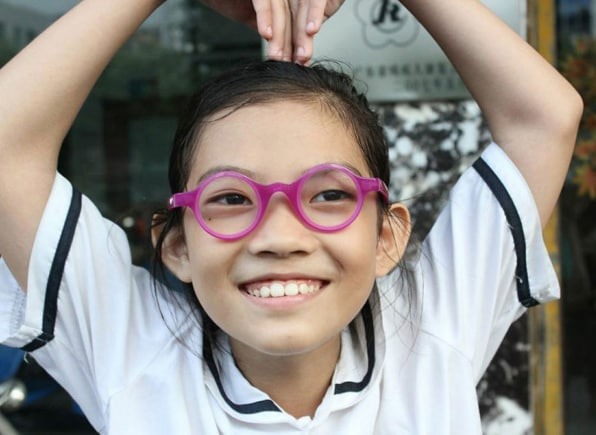 a84174dcd789 Silver s focus is on near-sighted teenagers. He estimates there are 100  million myopic students out there who would see better in school–and learn  better–if ...