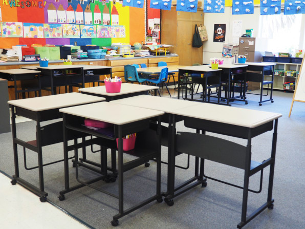 Should Your Kids\' School Have Standing Desks? These ...