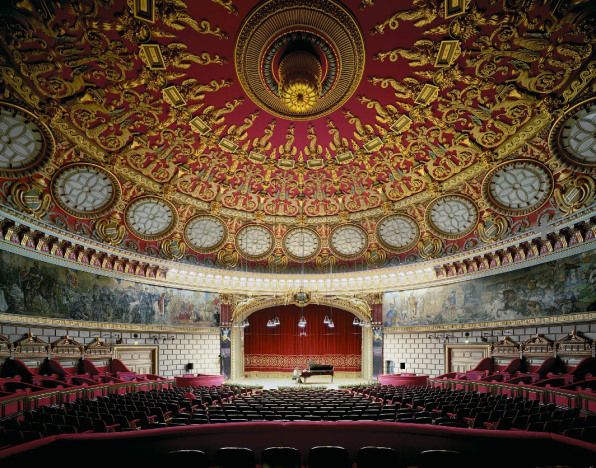 Awe-Inspiring Opera Houses Seen From The Stage