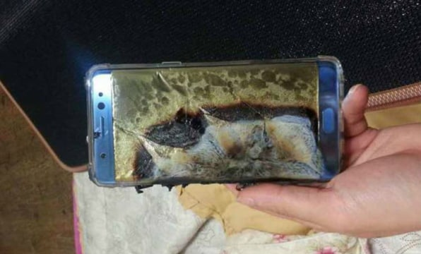 Samsung stops shipping new Note 7 smartphones after a couple of them blew up