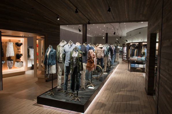 37d31266 Abercrombie & Fitch, Polaris, Columbus, Ohio. [Photo: courtesy of  Abercrombie & Fitch]