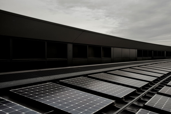 Apple Now Runs On 100 Green Energy And Here S How It Got There