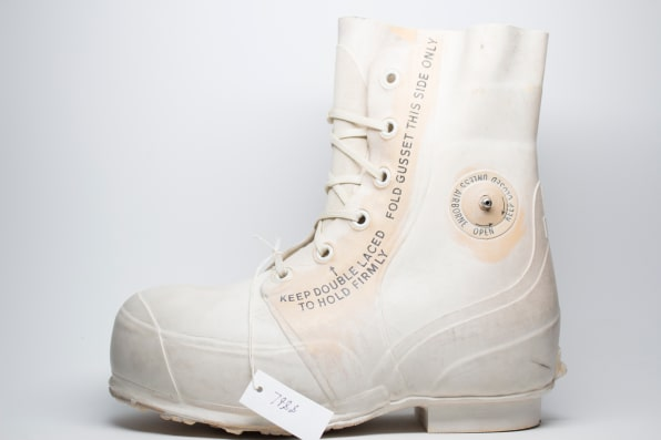 new product a0b17 625e1 Vintage Extreme Cold Weather Boot.  Photo  Converse