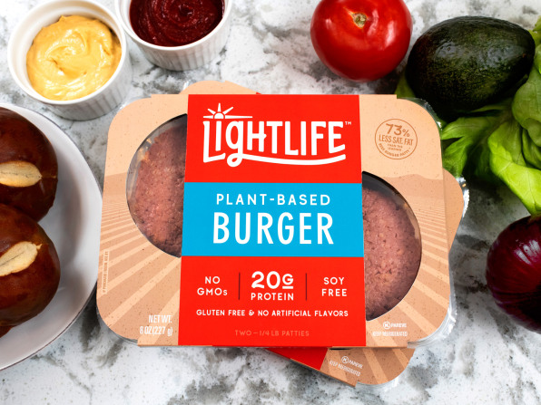 Veggie Alternatives At Brat Fest >> We Tried Lightlife S New Hamburgers And Sausages At A Vegan Bbq
