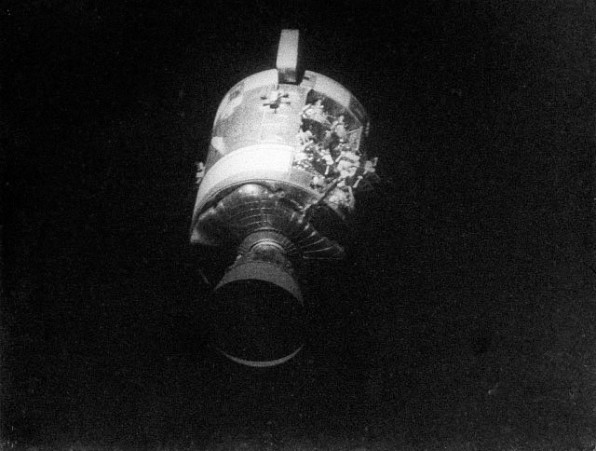 The dramatic scene of Apollo 13's return to Earth that you won't see in the Tom Hanks movie