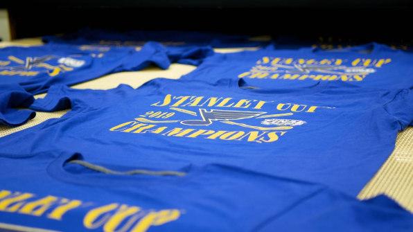 size 40 ffa02 cbfaf Toronto Raptors and St. Louis Blues setting Fanatics merch ...