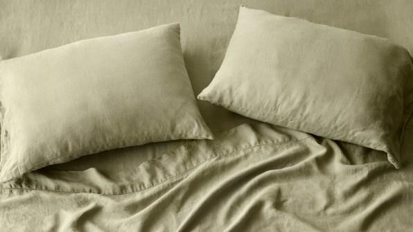 i 3 ten ways to seep cooler at night 90652001 citizenry stonewashed linen bed bundle