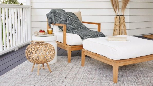 03 90667664 this outdoor blanket protects you