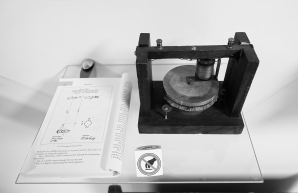 i Model of Alexander Graham Bells first telephone with Elisha Gray caveat Telephone Museum Waltham Massachusetts DSC08120