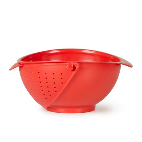 This Clever Bowl Wields A Built-In Strainer