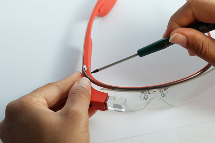 Take A Look At The Guts That Power Google Glass