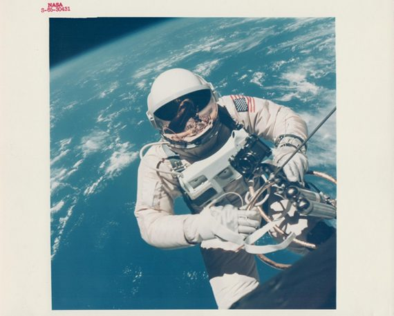16 Amazing Photographs From NASA's Golden Age