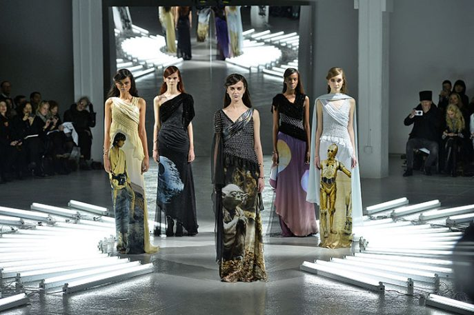 """""""Star Wars""""-Themed Gowns Invade Fashion Week"""