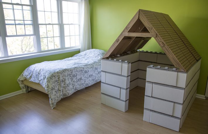 Giant Lego-Like Blocks Let Kids Build Better Forts