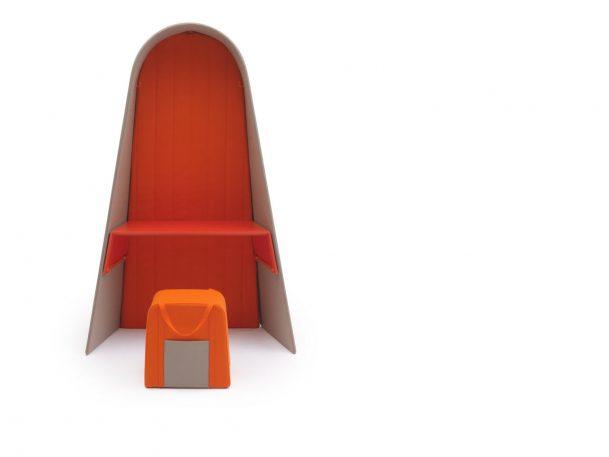 Half-Desk, Half-Bed: Who Said Cubicles Had To Be Boring?
