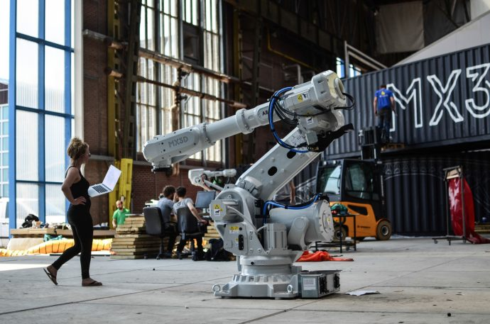 This Robot Can 3-D Print A Steel Bridge In Mid-Air
