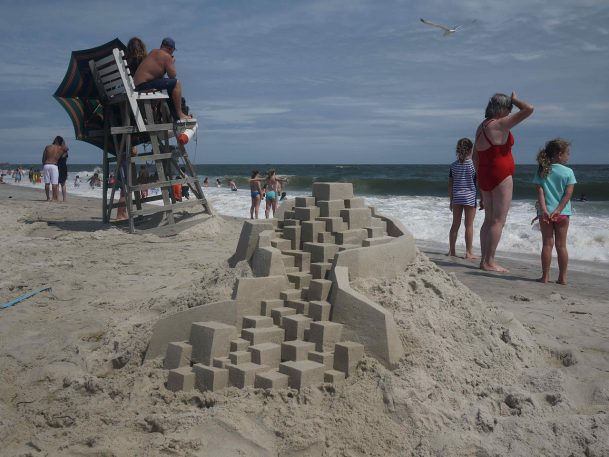This Guy's Elaborate Sand Castles Make Frank Gehry Look Like An Amateur