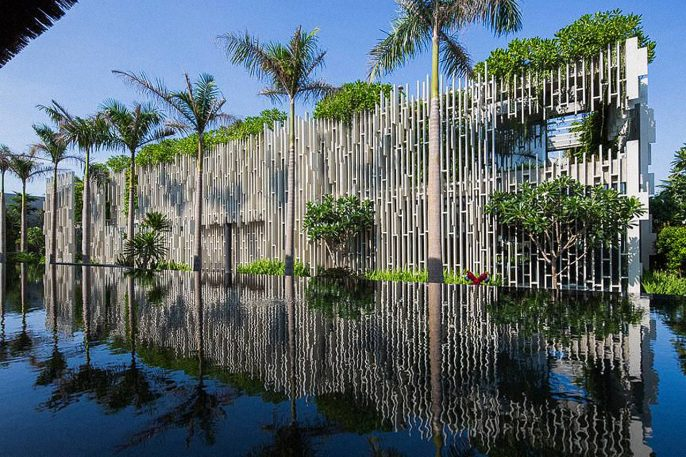 Lush Spa In Vietnam Is Like A Modern-Age Hanging Gardens of Babylon