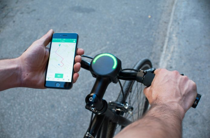 This Smart Bike Navigation Gadget Relies On A Slick Ambient UI