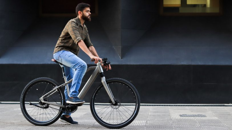 This high-tech e-bike warns you if a car zooms into your blind spot